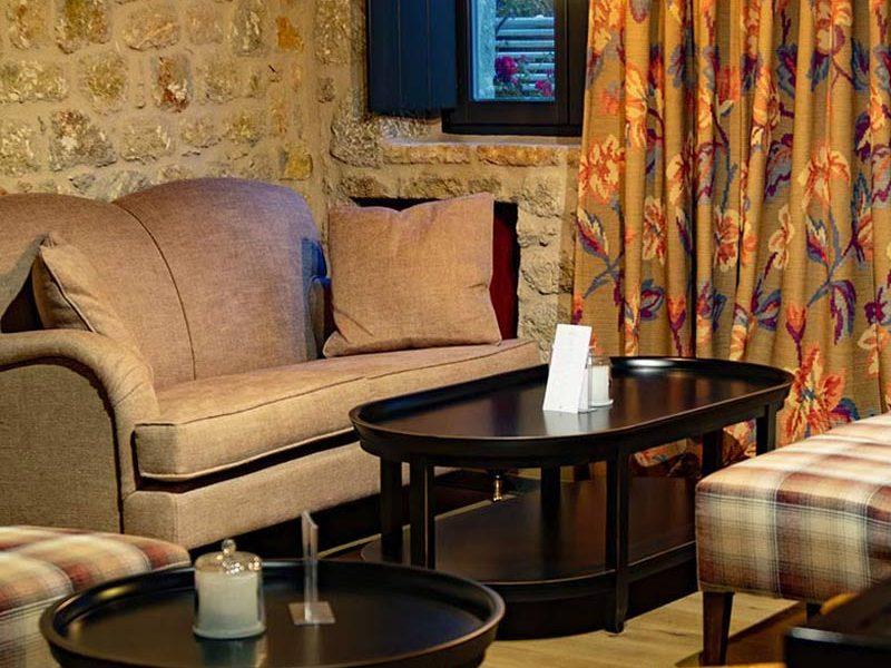 alistos-hotel-interior