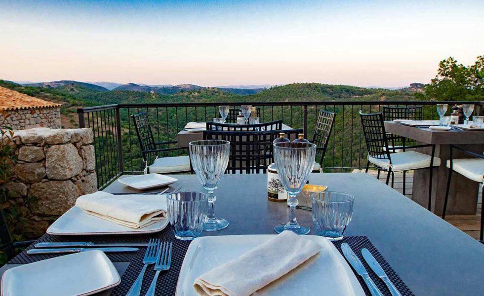 alistos-hotel-exterior-restaurant