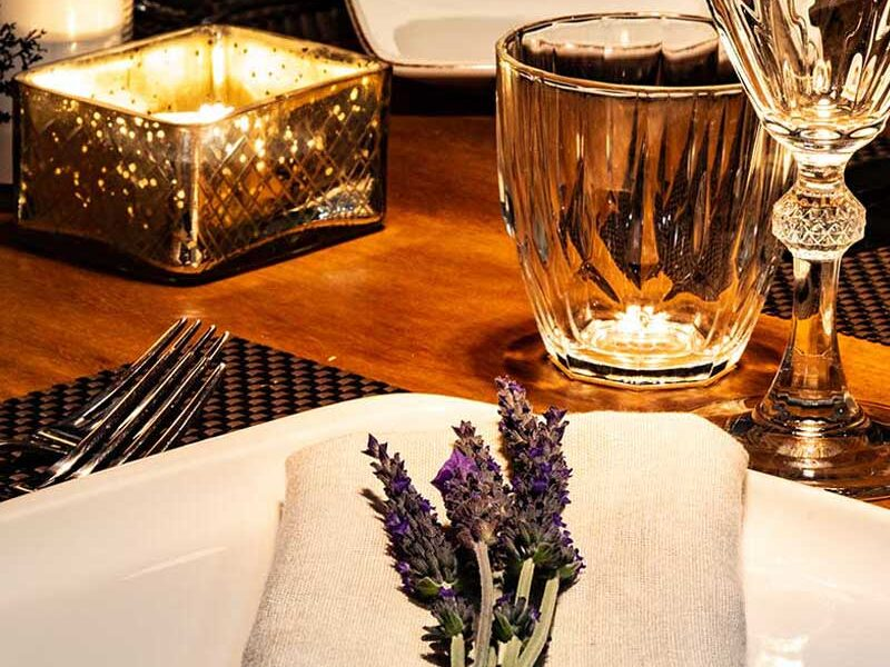 alistos-restaurant-table-setting